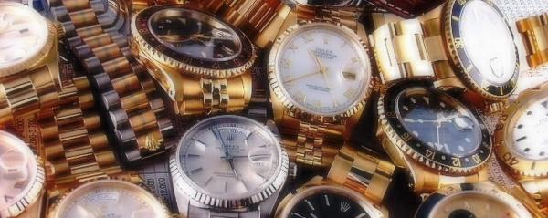 頂いた高級腕時計などのプレゼントは全部、質屋に売り飛ばしちゃって下さい!